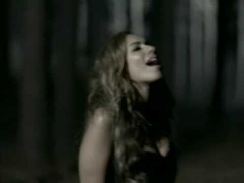 леона левис песня из дневников вампира это только место